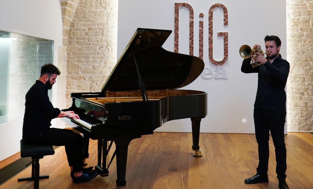 Duo Doronzo-Gallo – Reimagining Opera, quando il jazz reinventa l'opera (DiG CD) – Connessi all'Opera